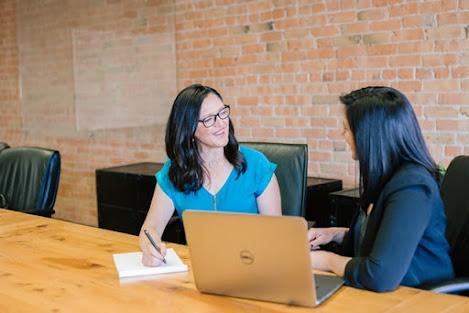 طرق فعالة لتقوية الشخصية لتصبحي رئيسة في العمل