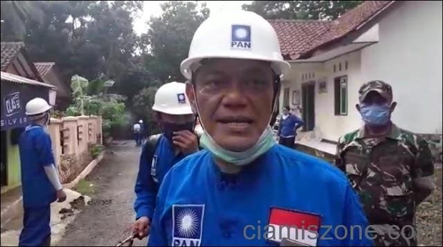 Anggota DPRD Jabar Semprotkan Disinfektan ke Seribu Rumah