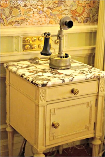 Teléfono del Dormitorio de la Señora Vanderbilt en la Mansión The Breakers, Newport