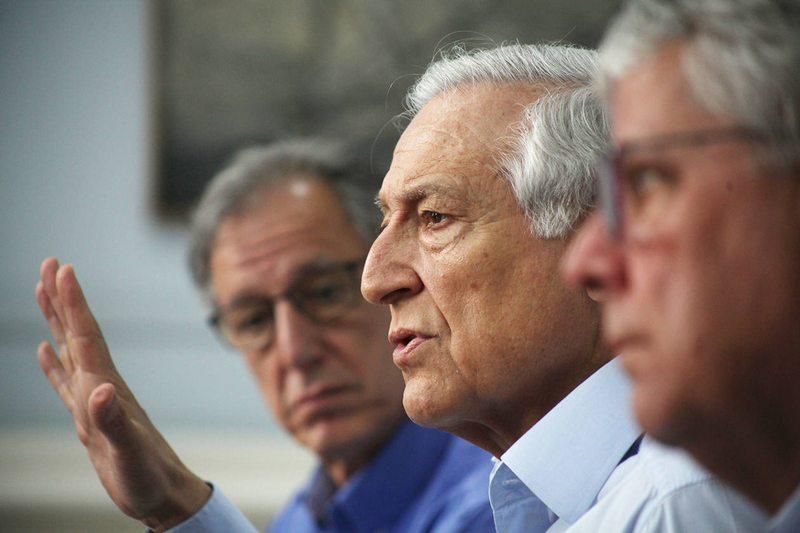 La oposición entregó tres propuestas de regulación de la Convención Constitucional