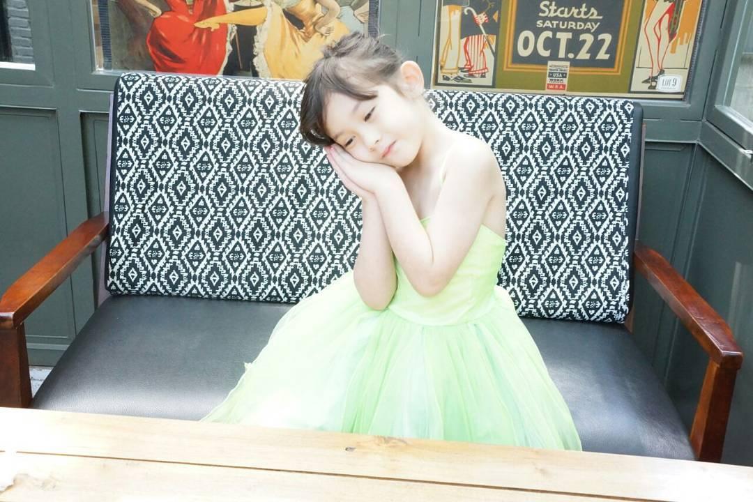 Foto Cantik dan Lucu Mikhaela Lee Jowono, Putri Nafa Urbach yang Jadi Target Predator Anak