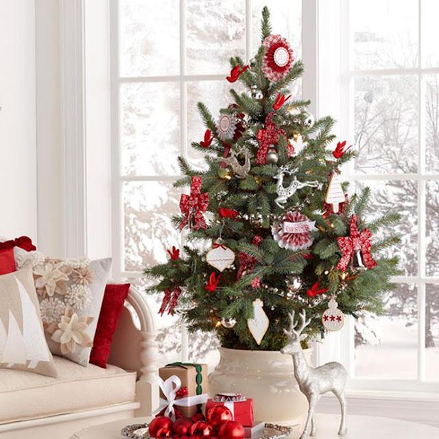 hellolovely-hello-lovely-studio-christmas-holiday-decorating-ideas-Swedish-Scandinavian-Nordic