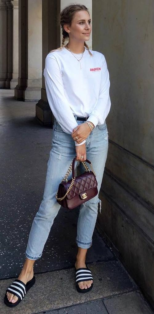 casual style perfection / white shirt + bag + ripped jeans