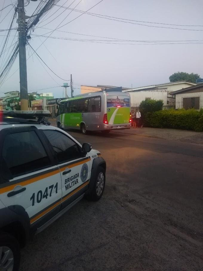 Brigada Militar realiza ações de prevenção nas paradas de ônibus de Cachoeirinha