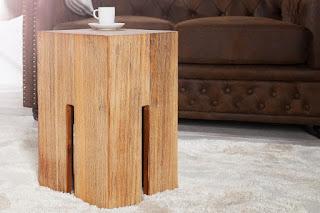 Designovi stolek z masívu.