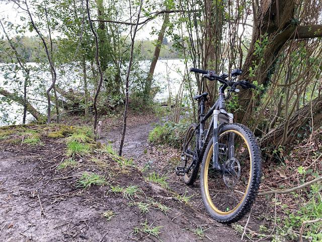 Hedgecourt lake