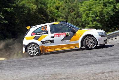 18 otomobil yarışta