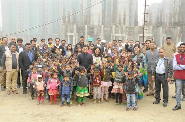 Prateek Group turns Santa for underprivileged