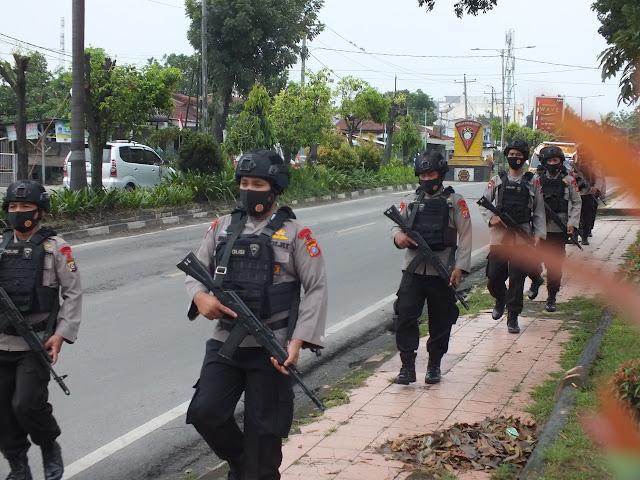 Jelang Hari Kemerdekaan, Brimob Siantar Patroli Kamandahan