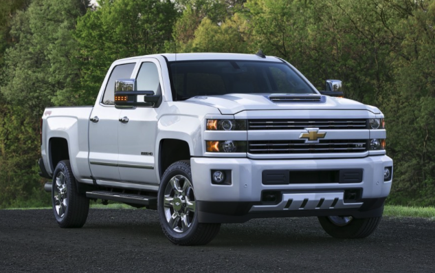 2017 Chevrolet Silverado 3500HD Diesel 4x4 Crew Cab Review