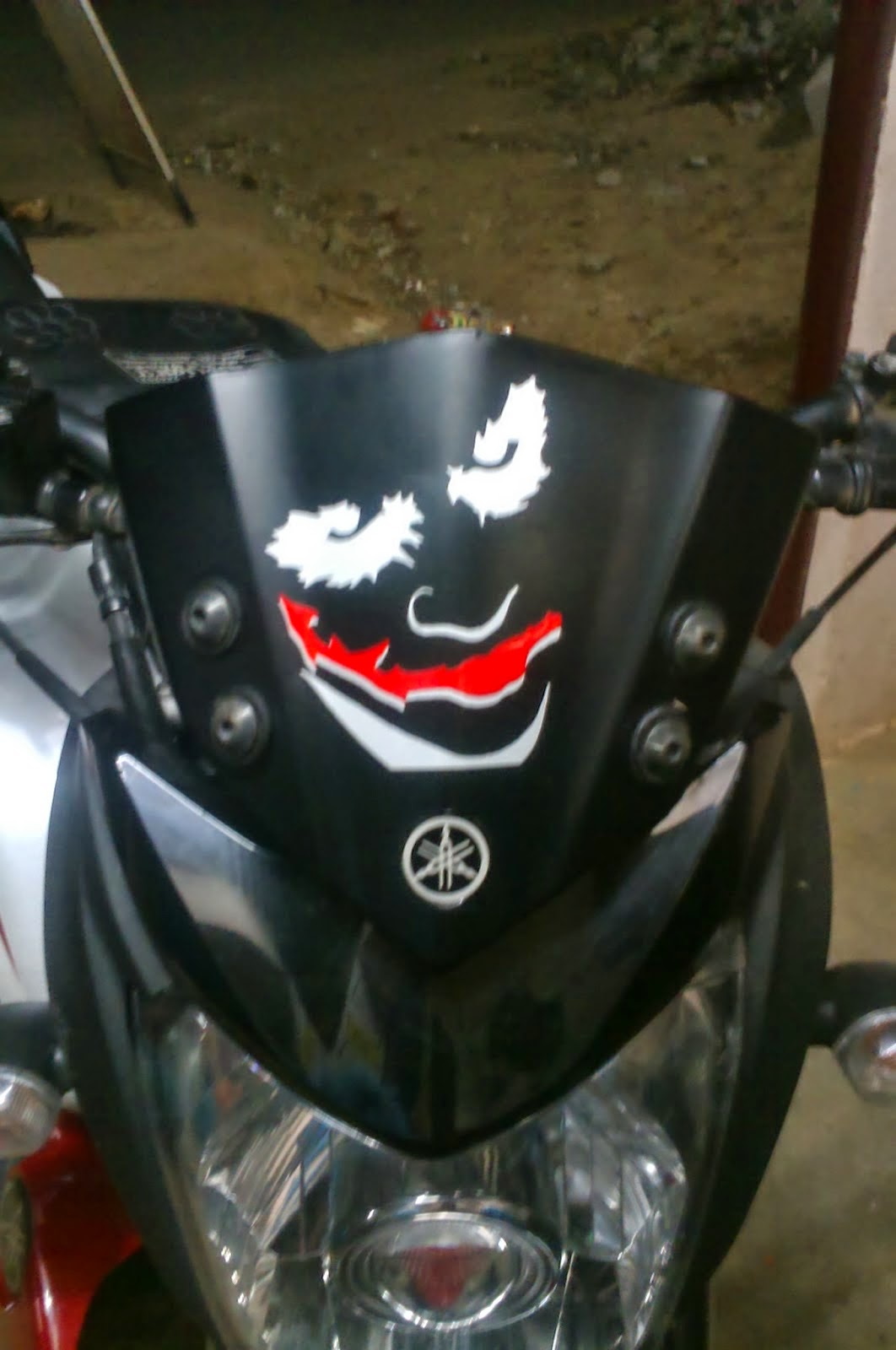 Bike stickers design india - R15 Visor Stickering