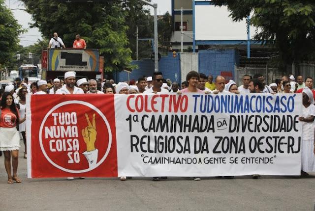 Manifestantes protestam contra intolerância religiosa na Zona Oeste