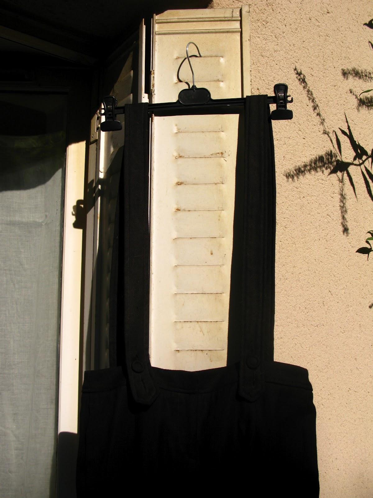 pantalon bretelles. Black Bedroom Furniture Sets. Home Design Ideas