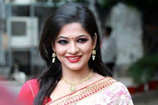 Azmeri Haque Badhon Bangladeshi Actress Photos