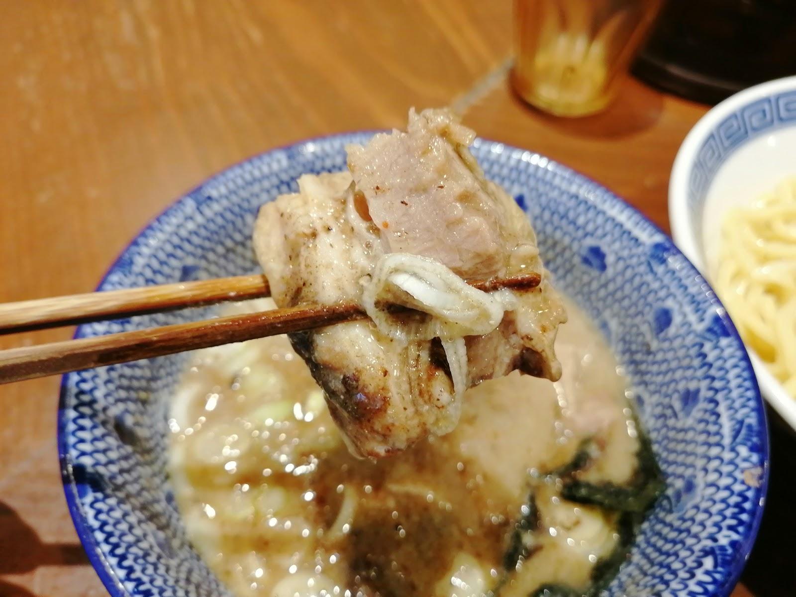 福岡市天神のつけ麺・ラーメン専門店 麺や兼虎チャーシュー