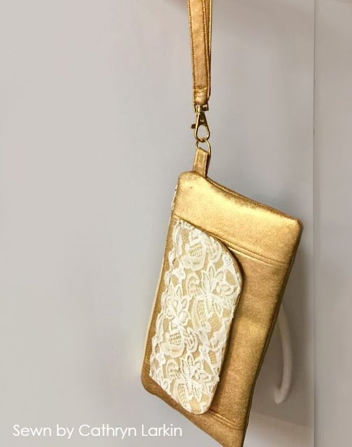 Enya Wallet pattern by AppleGreen Cottage