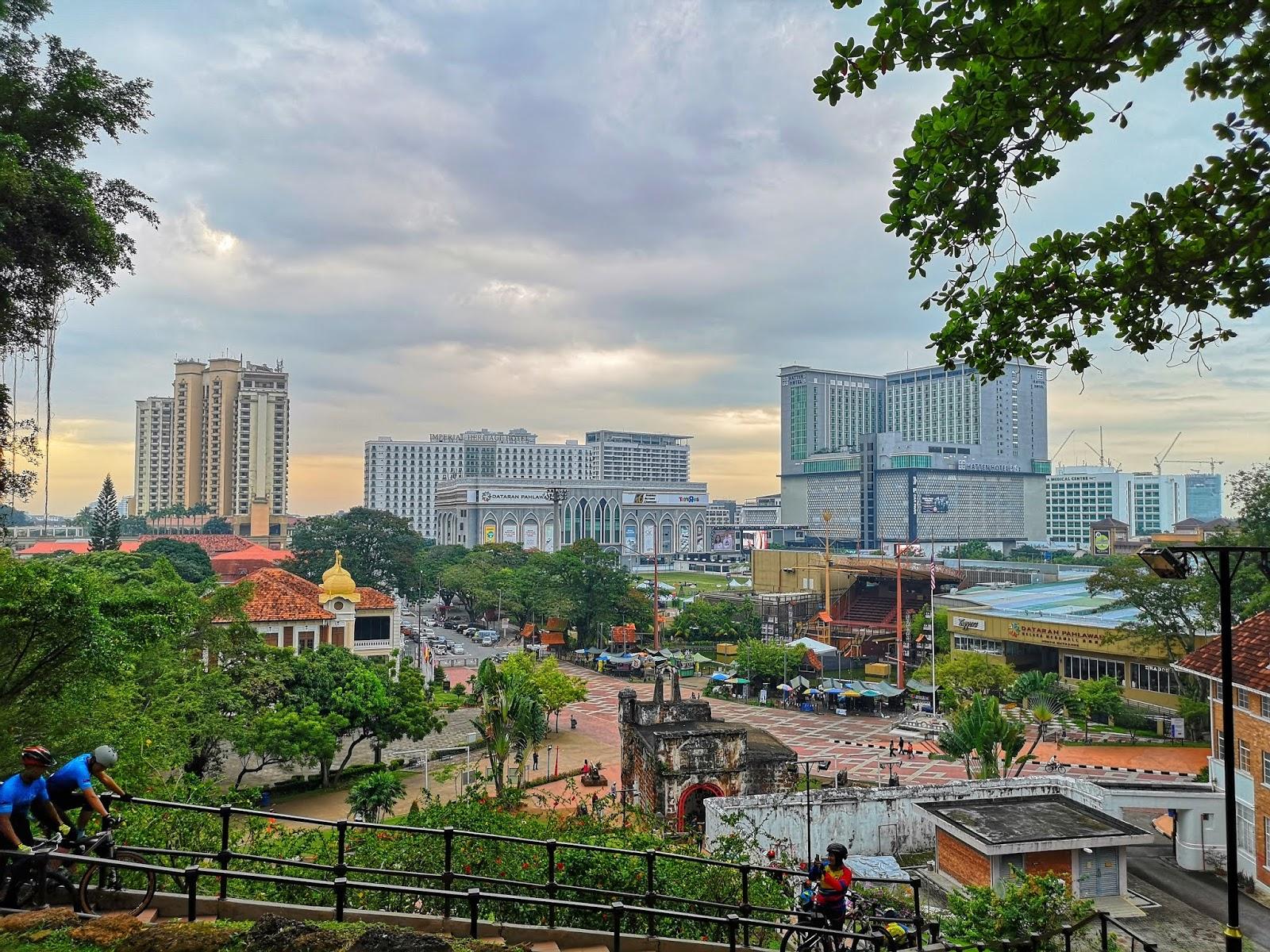 Dataran Pahlawan Melaka