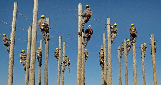 Manajemen Risiko Perlindungan Tenaga Kerja Dan Perluasan Kesempatan Kerja