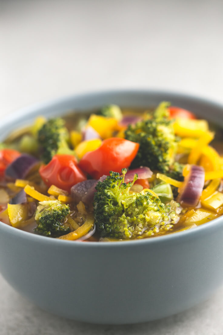 Vegan Detox Soup: This vegan detox soup is full of colour and nutrients; it is healthy, cleansing and is to die for. And it is straightforward to prepare!