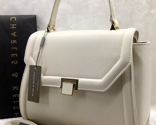 Model tas charles and keith dan harganya murah original asli terbaru 28a34ebe64