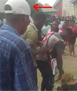 MOUAU Student Fights Girlfriend in Front Of Schoolmates Over ₦20K (Video)