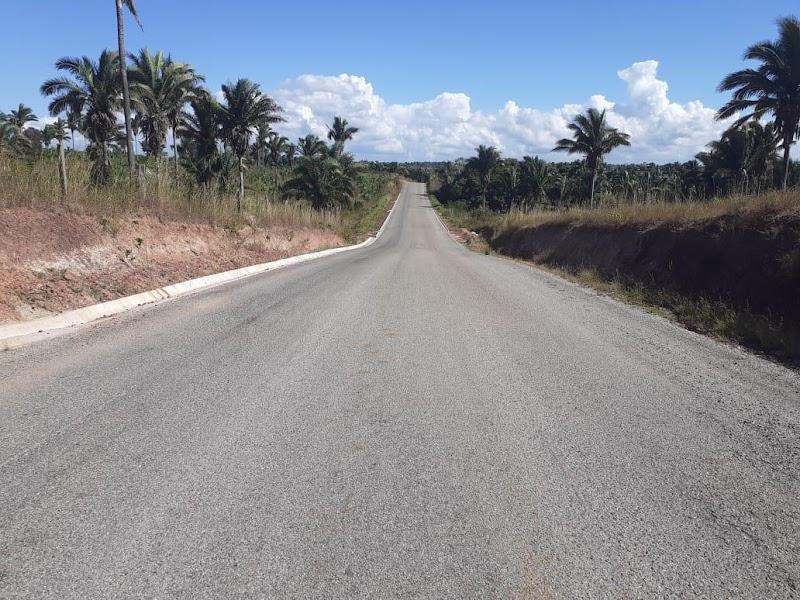 Carro capota fora da pista na curva do açude em Igarapé Grande