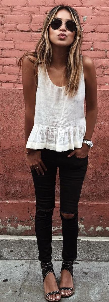 stylish summer outfit_white tank top + sandals + skinny jeans