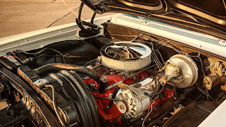 1964 Chevrolet Impala SS Engine 02