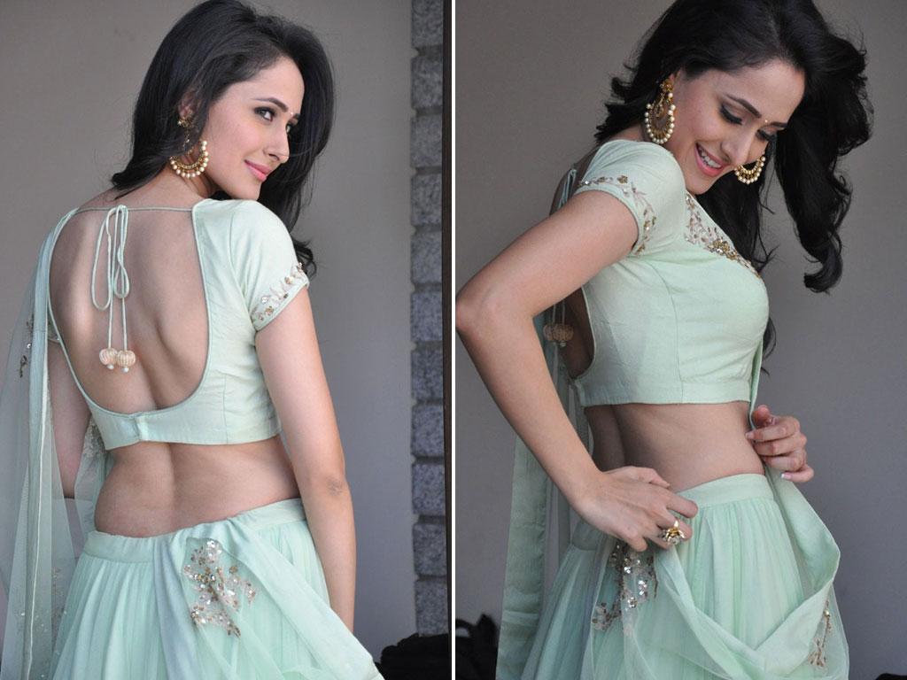 Pragya Jaiswal Nude Photos