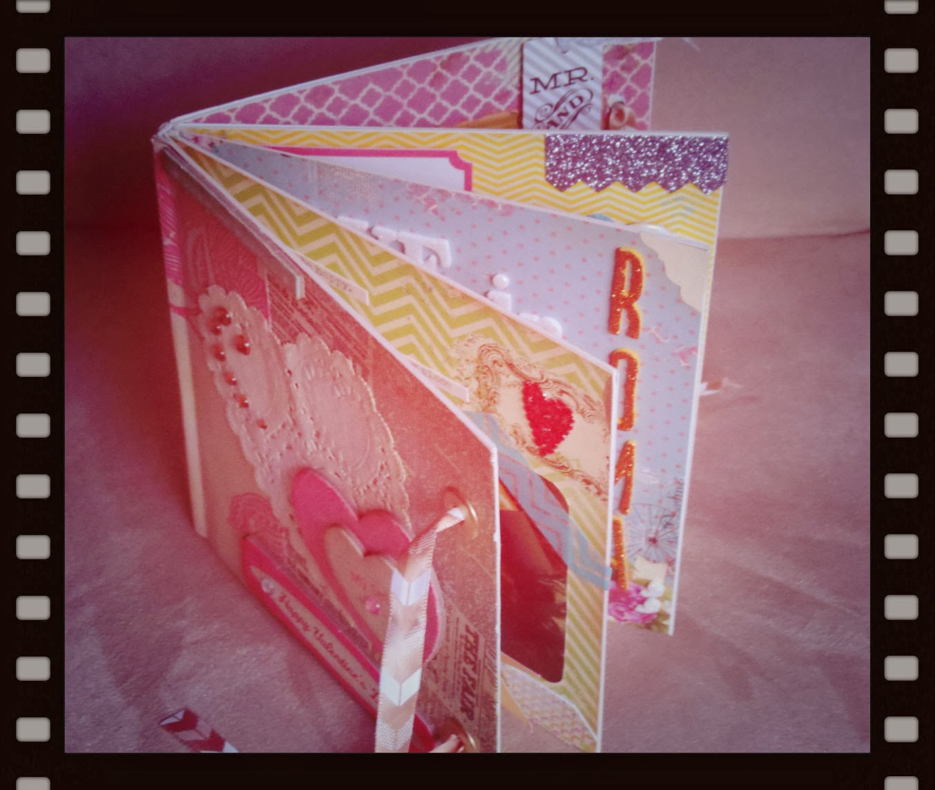 A qu huele el scrap mini album para san valentin - Album para san valentin ...