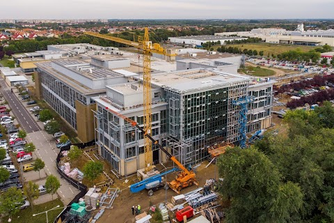 210 új munkahely létesül a National Instruments debreceni gyárában