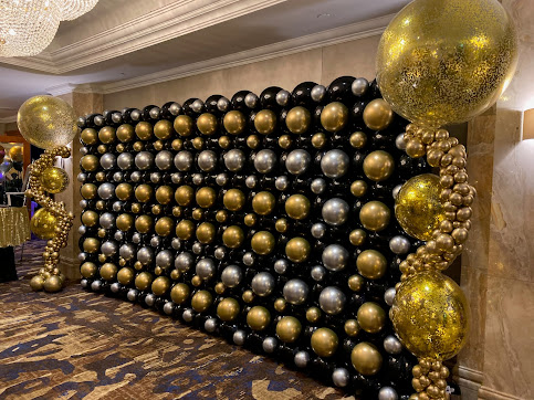 Black, Chrome Gold and Chrome Silver QuickLink Balloon Wall designed and created by Sue Bowler, CBA