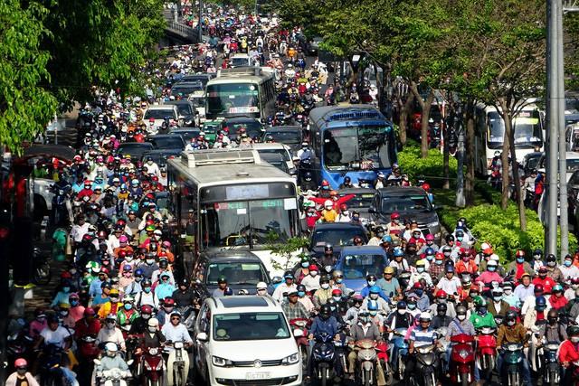 Dân số thực sự của Sài Gòn là bao nhiêu?