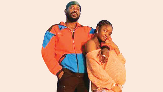Simi still heavily pregnant, has not given birth –Source