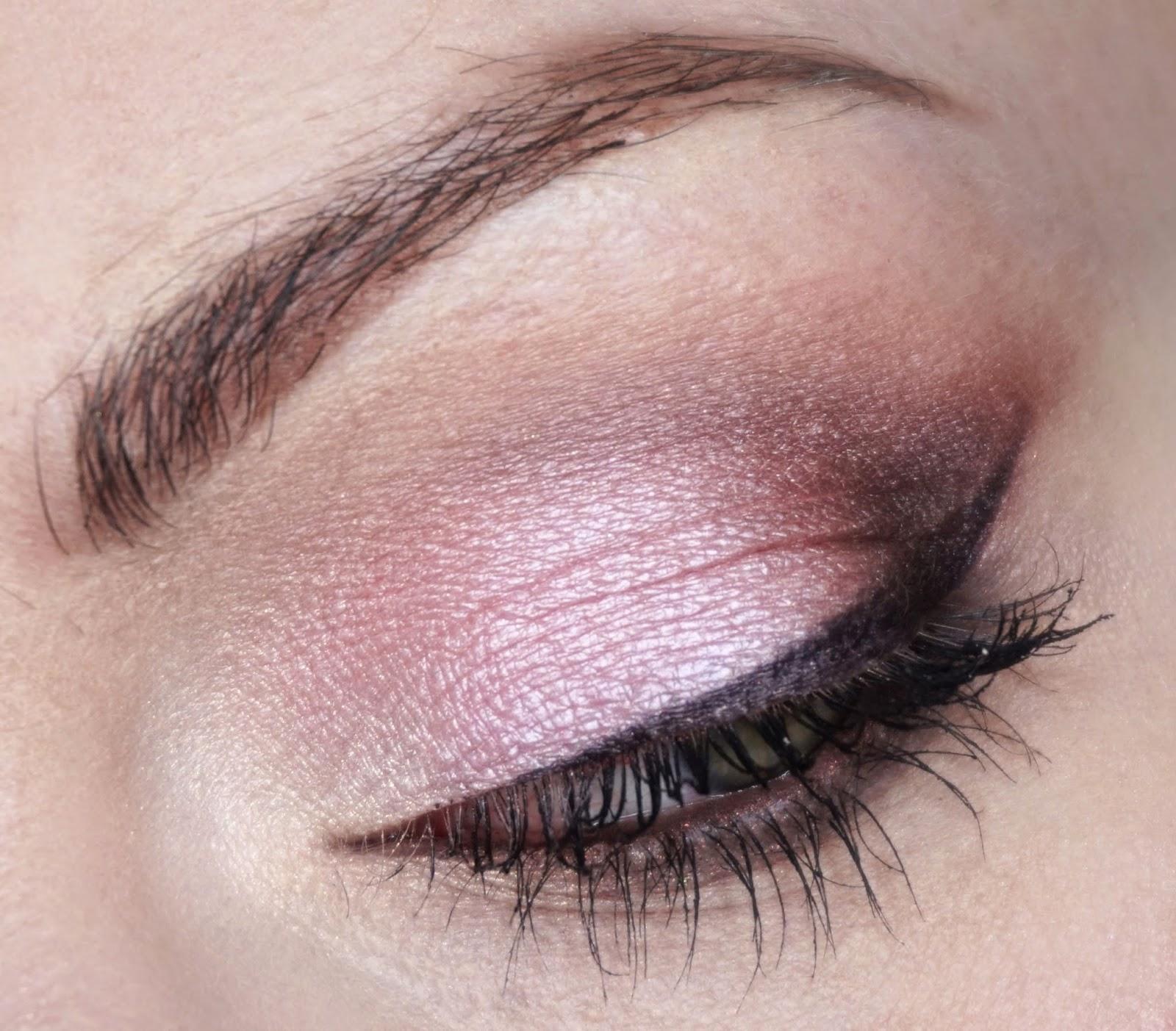 Agata Korneluk Make Up Artist Różowo Brązowy Makijaż Dzienny