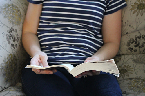 A Christian Woman's Guide to Finding Clean & Captivating Fiction Books