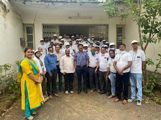 उप संचालक कृषि श्री सिंह द्वारा एक वर्षीय देशी डिप्लोमा कोर्स के प्रशिक्षणार्थियों को दिया गया मार्गदर्शन
