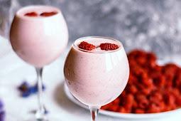 Berry Greens Vanilla Smoothie #healthydrink #easyrecipe