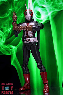 S.H. Figuarts Kamen Rider V3 (THE NEXT) 02