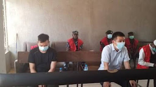 Two Chinese who 'offered N100m bribe to EFCC' granted N10m bail. PHOTOS