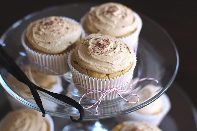 Healthy Low Fat Birthday Cake Recipes: Healthy Vanilla Toffee Quinoa Cupcakes