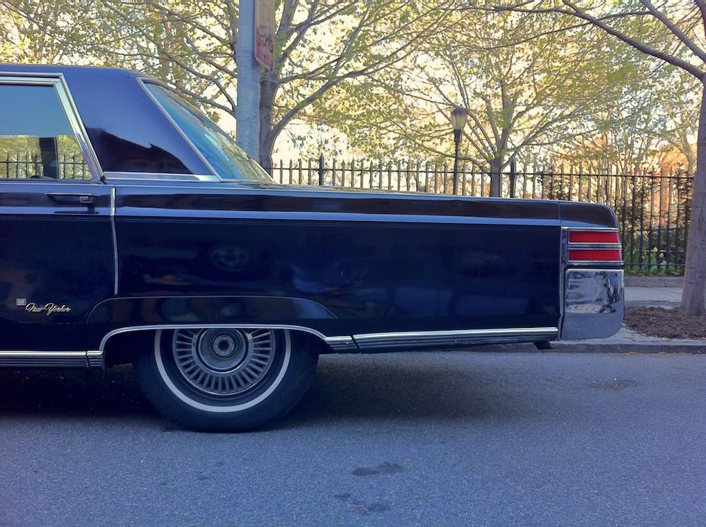 THE STREET PEEP: 1967 Chrysler New Yorker