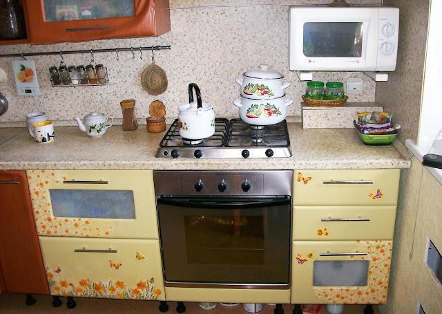 переделка покраска декупаж кухонной мебели своими руками, нижние фасады: пока так...