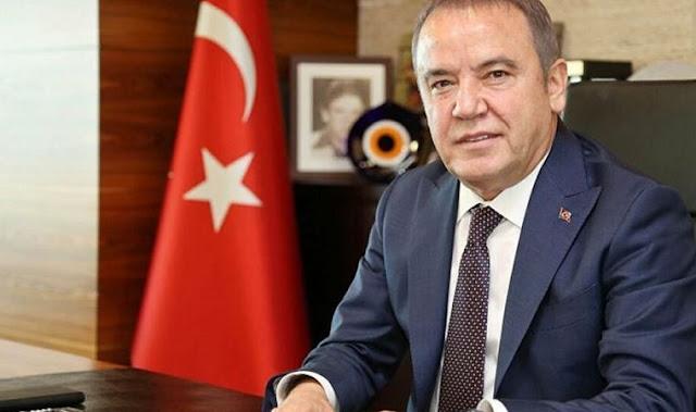 Antalya Büyükşehir Belediye Başkanı Muhittin Böcek kimdir? aslen nerelidir? kaç yaşında? sağlık durumu nasıl? biyografisi ve hayatı hakkında kısa bilgiler..