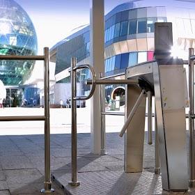 Hệ thống kiểm soát ra vào tự động - Automatic Access Control System