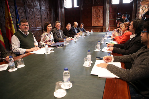 Puig garantiza la atención sanitaria universal en la Comunitat ante las asociaciones en defensa de la sanidad pública