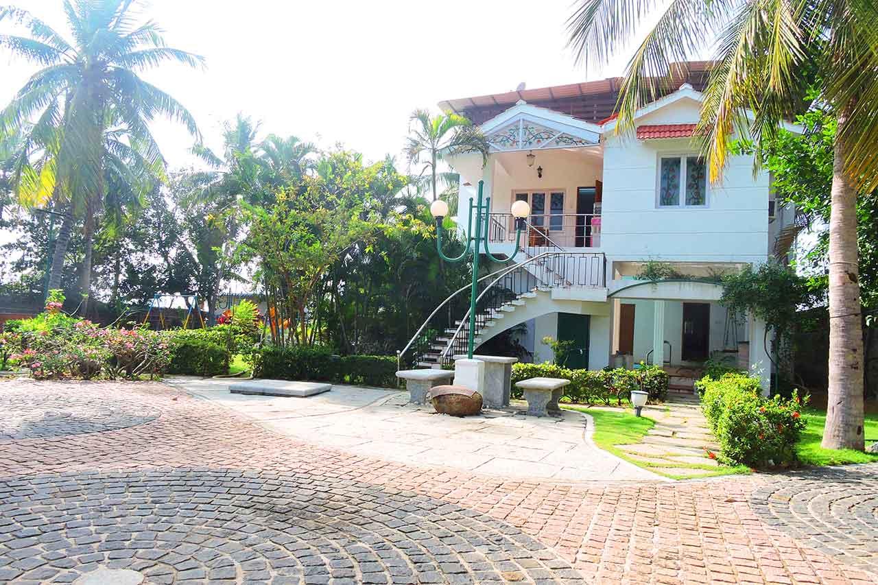 private beach villas in ecr