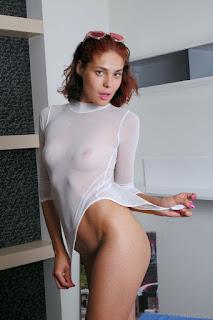 性感的成人图片 - callista_b_24_57899_4.jpg