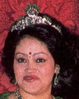 emerald tiara nepal queen ratna aishwarya FRED rajya lakshmi devi shah