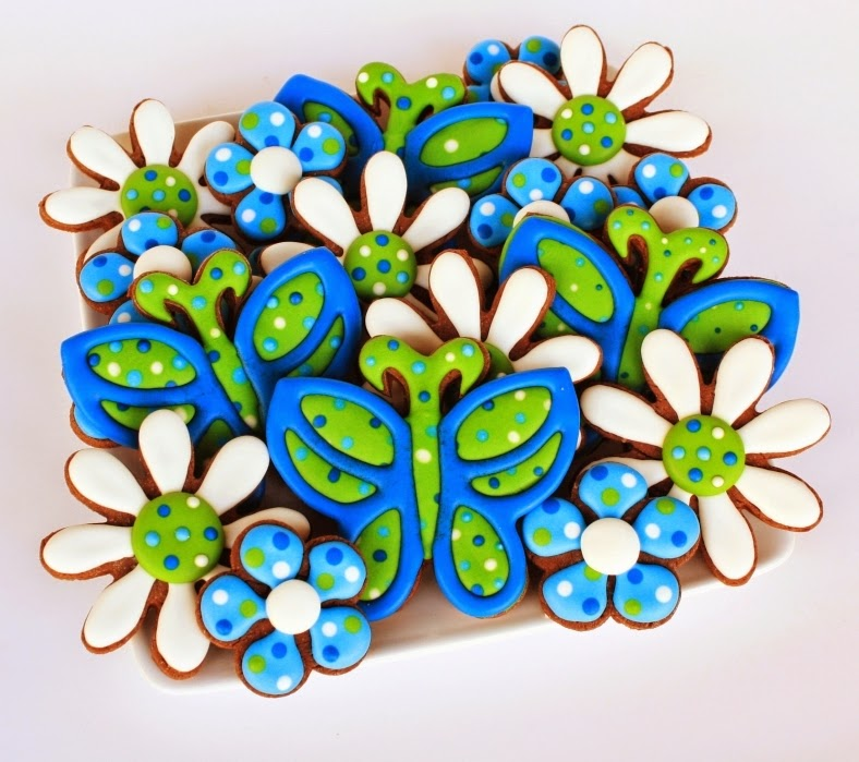 5 petal flower  and butterfly cookies